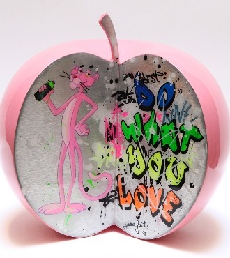 "Pinkish apple - 9"" inch - Ceramic sculpture"